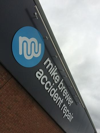 New Retail Signage for Mike Brewer Motors